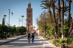Koutoubia Mosque Minaret, Marrakech, Morocco (KSAG Photography) Tags: mosque minaret religion islam morocco africa northafrica history heritage marrakesh marrakech nikon february 2019 sun sky park street people architecture tower building
