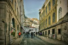 710_8422z (1) (A. Neto) Tags: d7100 nikon nikond7100 sigma sigmadc18250macrohsmos color portugal lisbon lisboa cityview cityscape street architecture people