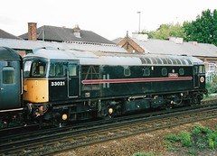 33021 3 (stevenjeremy25) Tags: 33 brcw crompton bobo diesel southern loco locomotive railway train br type3 33021 fragonset eastleigh