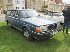 Volvo 240 GL J53ETC (Andrew 2.8i) Tags: show classic cars car mare super weston classics westonsupermare swedish euro european brick estate stationwagon 200series 240gl gl 240 volvo
