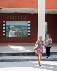 Art-house poster at the local theatre, Gibara. (Gerald Lau) Tags: holguin cuba 2019 gibara cinejiba street jiba film friends people nikon175528