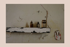 old white and little goody (sandrorotonaria) Tags: white goody wall bracket old ruin