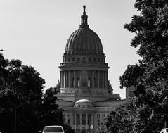 Madison, Wisconsin (TO416 Original) Tags: 2018 motoroilphotography to416 travel usa transport attractions tourism touristattraction tourist us unitedstatesofamerica madison wisconsin wisconsinstatecapitol building architecture tofouronesix to416original