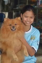 pretty girl with her pomeranian (the foreign photographer - ฝรั่งถ่) Tags: pretty girl child pomeranian dog khlong lard phrao portraits bangkhen bangkok thailand nikon d3200