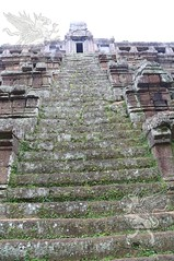 Angkor_Phimeanakas_2014_06