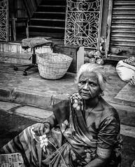 Mumbai (LXXIV) (manuela.martin) Tags: schwarzundweis streetphotography bw blackandwhite mumbai india people peoplephotography foreignpeople hipshots leicammonochrom leica leicamonochrom leicam