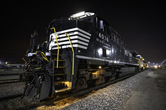 NS 4076 - Argentine, Kansas (backlitkid) Tags: ac44c6m ns4076 freight grain bnsf crex railroading railfanning railroads night