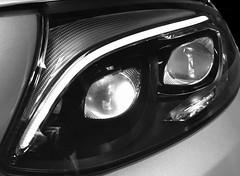 Regard bionique. (Pierre-Louis K.) Tags: noiretblanc intelligent mercedes brillant œil courbe ligne reflets led lumière lampe phare voiture black white blackwhite