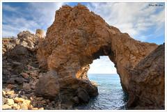 Mojácar (Almería) (Jose Manuel Cano) Tags: mojácar almería españa spain costa coast mar sea roca rock cielo sky nube cloud nikond5100 agua water