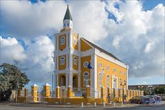 """De Tempel"" - Willemstad Curaçao (Hans van Bockel) Tags: curaçao d7200 hansvanbockel lightroom nikon vakantie willemstad cw 1680mm punda monument 520232 hendrikplein om openbaar ministerie"