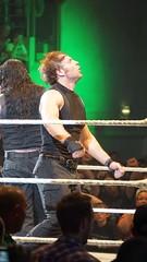 2014-05-22_22-32-30_ILCE-6000_DSC02328 (Miguel Discart (Photos Vrac)) Tags: 2014 315mm 6persontag catch combatdelutte curtisaxel deanambrose e55210mmf4563oss focallength315mm focallengthin35mmformat315mm highiso ilce6000 iso3200 lutte mainevent randyorton romanreigns ryback sethrollins sony sonyilce6000 sonyilce6000e55210mmf4563oss sport wrestling wrestlingmatch wwe wwemainevent