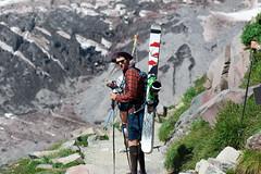 Billy (diego.rzg) Tags: mtrainier mtrainiernationalpark hike hiking washingtonstate pnw pacificnorthwest mountrainier explorewashington explorer hikingculture pnwisbest mountaintime optoutdoors getoutside adventuring nature nationalpark nps explore peaks upperleftusa naturelovers hiker hikers hikingadventures mountaineering climbing climb diegogomez