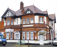 Nelson Hotel, Westcliff-on-Sea. (piktaker) Tags: pub inn bar tavern publichouse essex westcliffonsea nelsonhotel shamsuddincourt