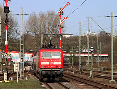 Going to Central (Schwanzus_Longus) Tags: 143 br bremen cab car cars coach coaches electric german germany loco locomotive railroad railway red track tracks train trains vintage silberling baureihe silberlinge br143 vegesack old classic passenger commuter engine class