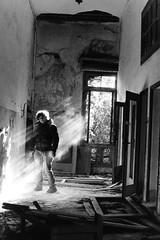 Luce (Nicola Rigo) Tags: venezia poveglia luce ombra abbandono fotografia analogica bianco e nero black white yashica ilford grana rullino