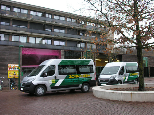 6dec-2018 Nieuwe busjes in Zonneheem