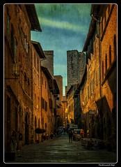 San Gimignano_Tuscany_Italia (ferdahejl) Tags: sangimignano tuscany italia dslr canondslr canoneos800d