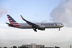 American Airlines Boeing 767-323(ER)(WL) (N379AA) © (CAUT) Tags: aviation aviacion aircraftspotting planespotting spotting spotter avion aircraft airplane plane flugzeug aeropuerto airport caut 2019 nikon d610 usa kolumbien