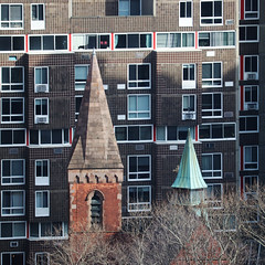 steeples on roosevelt island (wmpe2000) Tags: 2018 nyc spring nyp viewfromhospital rooseveltisland church hoperooseveltislandconvenantchurch steeple bricks copper img1607aa