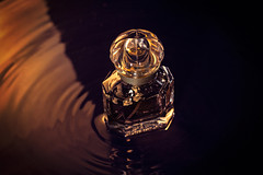 watermove (Pepenera) Tags: watermove smileonsaturday stilllife perfume profumo