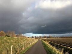 Cloud 2 (Dimormar!) Tags: poortugaal albrandswaard wolk cloud dreiging sunshine zonneschijn zon sun