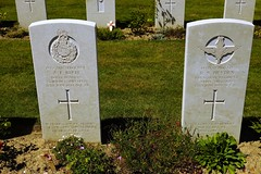A.E. Rush, Royal Marines & R.V. Heyden, Parachute Regiment, War Grave, 1944, Bayeux (PaulHP) Tags: ww2 world war 2 headstone grave france bayeux military cemetery british normandy dergeant ae arthur edwin rush service number pox2420 12th june 1944 no 41 rm royal marine commando john eleanor little sandhurst berkshire private rv robert victor 14427738 17th 8th bn battalion parachute regt regiment aac armey air corps alfred muriel may south croyden surrey cwgc battle