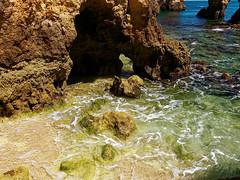 P1020301_DxO (orciel95) Tags: lagos algarve portugal océan mer sea eau water falaise rocher stone colors green blue vert bleue