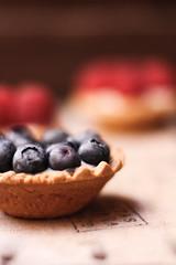 ALA RASI, Cualquier cosa por ti. (Lucia Cortés Tarragó) Tags: jc canon raspberry cupackes bakery makro vintage arandanos tartaletas dulce postre