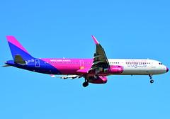 HA-LXH Wizz Air Airbus A321-200 (czerwonyr) Tags: fra eddf halxh wizz air airbus a321200