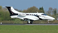 9H-FGV (AnDyMHoLdEn) Tags: embraer phenom egcc airport manchester manchesterairport 05r