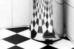 black and white in black and white (ToDoe) Tags: bw chess muster schachmuster schachbrettmuster bad bathroom restroom mülleimer fliesen monochrome schwarzweis schwarzweiss schwarz weis edge ecke floor boden badezimmer