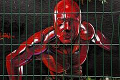 En cage (Edgard.V) Tags: paris parigi streetart urban art arte urbano callejero mural