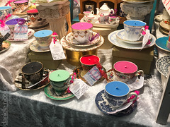 Candles in a Cup (Daniele Nicolucci photography) Tags: 2019 adventure art brexit candles coventgarden cups england handmade holiday jubileemarket london march2019 shop solo trip uk unitedkingdom gb