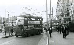 1961 – London Transport Trolleybuses L3 FXH465 / 1465 at Nags Head, North London. (RTW501) Tags: hollowayroad fxh465 nagshead sevensistersroad northlondon trolleybus routemaster 1961