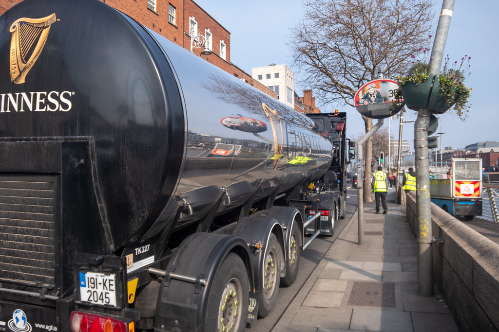 DON'T WORRY THE GUINNESS IS ON IT'S WAY [PHOTOGRAPHED NOT FAR FROM THE HALFPENNY BRIDGE]-151460