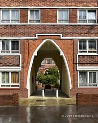 Meakin Estate (© Freddie) Tags: london se1 bermondsey meakinestate rothsaystreet arch entrance lbsouthwark fjroll ©freddie hartleysjam thomashenrymeakin bermondseymission