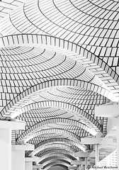 Kuppeln in einem Gang im Techno Museum Mannheim (Mike Reichardt) Tags: architecture architektur abstract abstrakt blackwhite blancetnoir schwarzweiss spielereien minimalism minimal monochrome minmalism