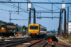 6-8-1988 - Groningen (berlinger) Tags: eisenbahn railways railroad treinen nederlandsespoorwegen ns groningen wadloper dh2 1100 dmu triebwagen