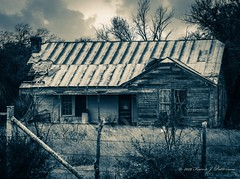 (Karen J. Patterson) Tags: roof rust rusty trip road roadtrip town smalltown blackandwhite derelict landscape rural country house abandoned