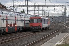 Rothrist: Jail train (2/2) (jaeschol) Tags: bbc bahnhof eisenbahn elektrischelokomotive europa europe kantonaargau kontinent lokomotive re420 re420124 rothrist saas sbb slm schweiz suisse switzerland transport chemindefer railroad railway
