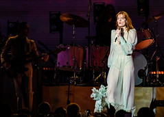 Florence and the Machine 12/09/2018 #5 (jus10h) Tags: florence welch themachine florenceandthemachine theforum forum inglewood losangeles california live music concert festival fest kroq almost acoustic christmas sunday december 9 2018 justinhiguchi sony dscrx10 dscrx10m3
