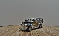 1940s Woodie. (ManOfYorkshire) Tags: 164 scale diecast hothweels hw series2 edition range usa issue car autop automobile woodie 1940s stationwagon estate panels wood detailed chrome silver