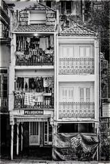 Berbés (explore) (sairacaz) Tags: berbés vigo galicia casa edificio building streetphotography blackwhite vivienda
