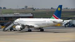 A319, Air Namibia, O.R Tambo Airport, Johannesburg (blafond) Tags: a319 airbus airnamibia airport aéroport ortambo terminal avions airplanes jets
