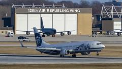 Alaska Airlines Boeing 737-990(ER)(WL) N402AS (MIDEXJET (Thank you for over 2 million views!)) Tags: milwaukee milwaukeewisconsin generalmitchellinternationalairport milwaukeemitchellinternationalairport kmke mke gmia flymke alaskaairlinesboeing737990erwln402as alaskaairlines boeing737990erwl n402as boeing boeing737990 boeing737900 boeing737 737 737900 737990