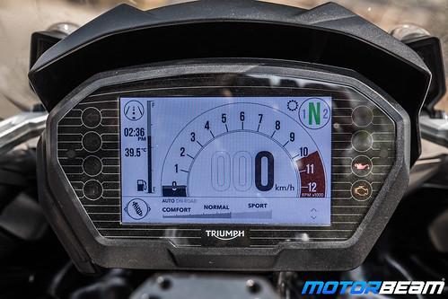 Triumph-Tiger-1200-XCx-13