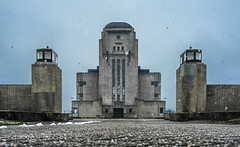 Kootwijk1 (‹ Wim ›) Tags: radiokootwijk wimgoedhart snow winter artdeco netherlands apeldoorn concrete brutal achitecture menacing impressing 1919 fortress woods monument architecture thenetherlands buildinga juliusmarialuthmann
