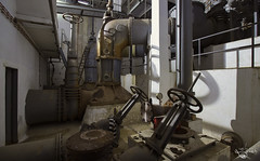 Going underground (Left in the Lurch) Tags: urbex abandoned industry