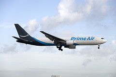 Amazon Prime Air Boeing 767-36N(ER) (N1049A) © (CAUT) Tags: aviation aviacion aircraftspotting planespotting spotting spotter avion aircraft airplane plane flugzeug aeropuerto airport caut 2019 nikon d610 usa kolumbien