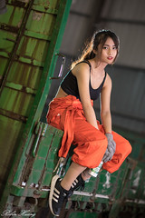 DSC_2000 (Robin Huang 35) Tags: 龜山鄉 臺灣省 中華民國 tw 張淳艾 波比 poppy 修車廠 修車服 工作服 人像 portrait lady girl nikon d850 car 車